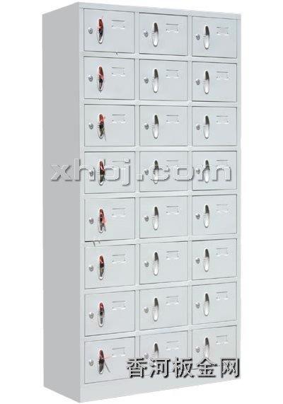 文件柜网提供生产二十四门更衣柜厂家