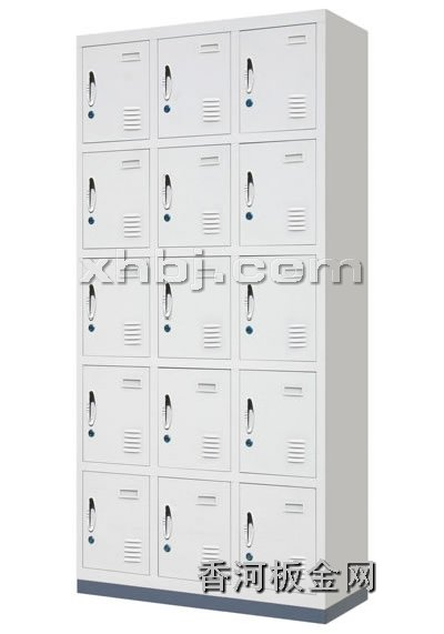 文件柜网提供生产十五门更衣柜厂家